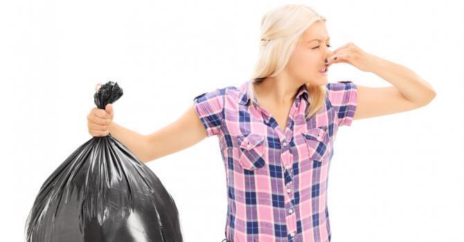 Comment enlever les odeurs de poubelle la cuisine ?